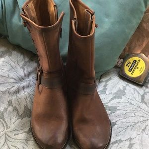 Sofft Shoes - Awesome Sofft brown leather boots size 7.5